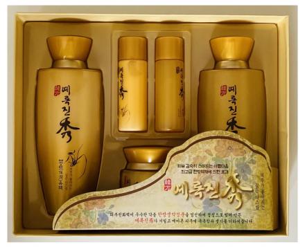 Набор увлажняющий с экстрактом хауттюйнии Jigott Yerokjinsu 3 Set: фото